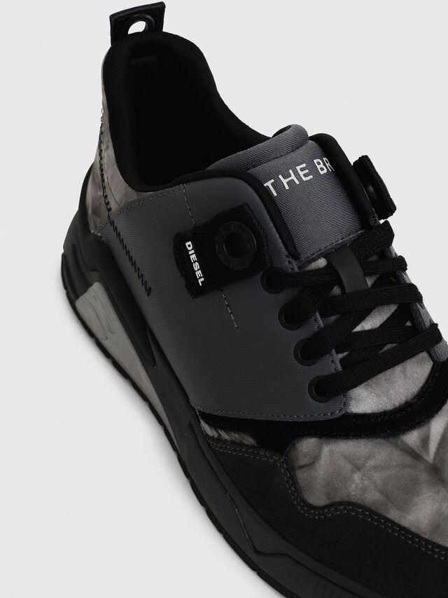 Diesel - S-BRENTHA LC, Black - Sneakers - Image 5