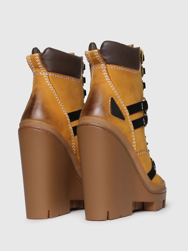 Diesel - D-VIBE MB, Yellow Ocher - Ankle Boots - Image 3