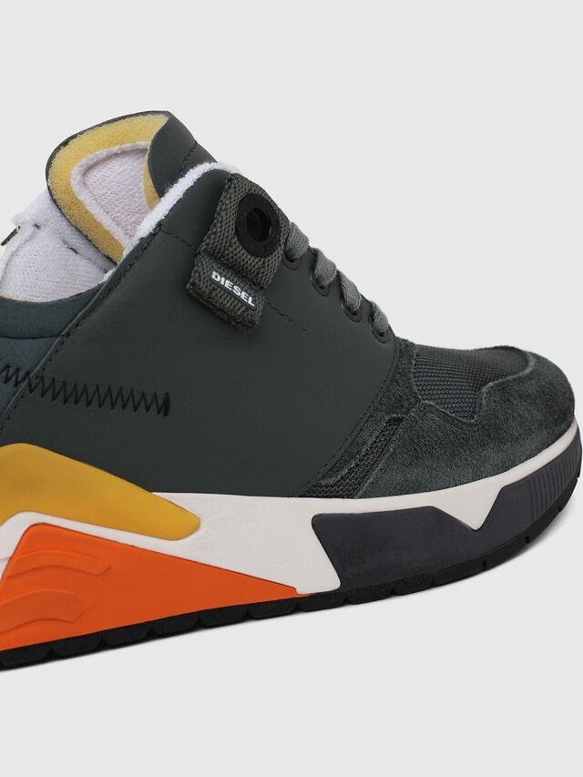 Diesel - S-BRENTHA LC, Green - Sneakers - Image 5