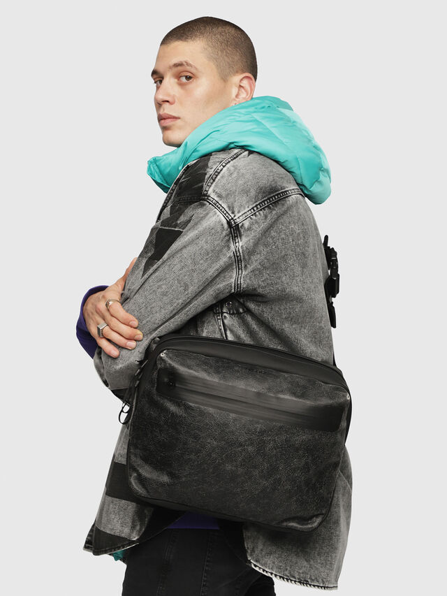 Diesel - VOLPAGO CROSSPLUS, Black - Belt bags - Image 6