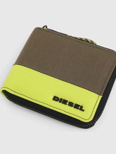 Diesel - ZIPPY HIRESH S, Green - Zip-Round Wallets - Image 4