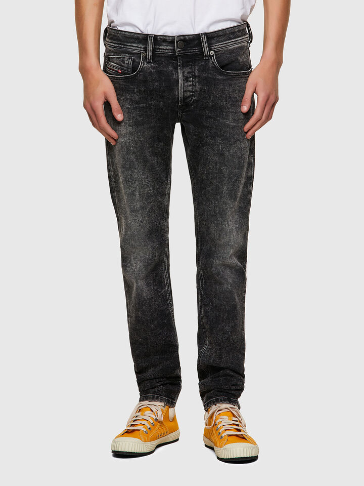 Sleenker Skinny Jeans 09A17,
