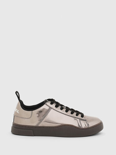 Low-top sneakers in mirrored PU