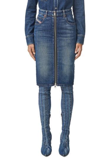 Pencil skirt in stonewashed denim