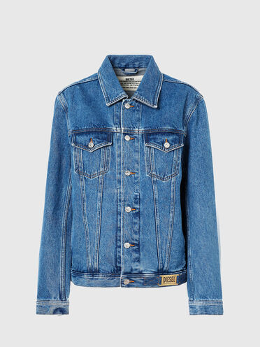 Trucker jacket in stone-washed denim
