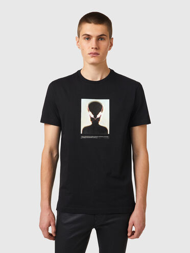 T-shirt with alien print