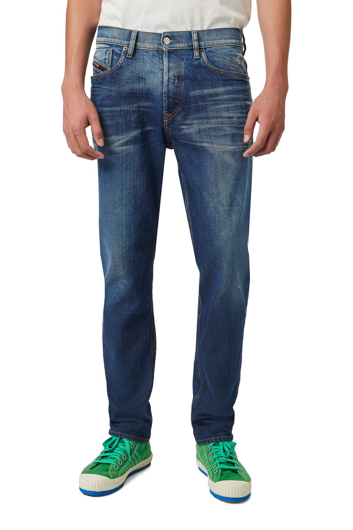 D-Fining Tapered Jeans 09A96,