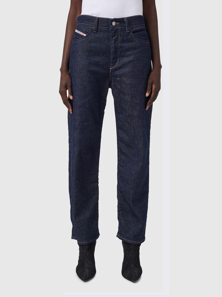 D-Air Boyfriend Jeans 09B28,