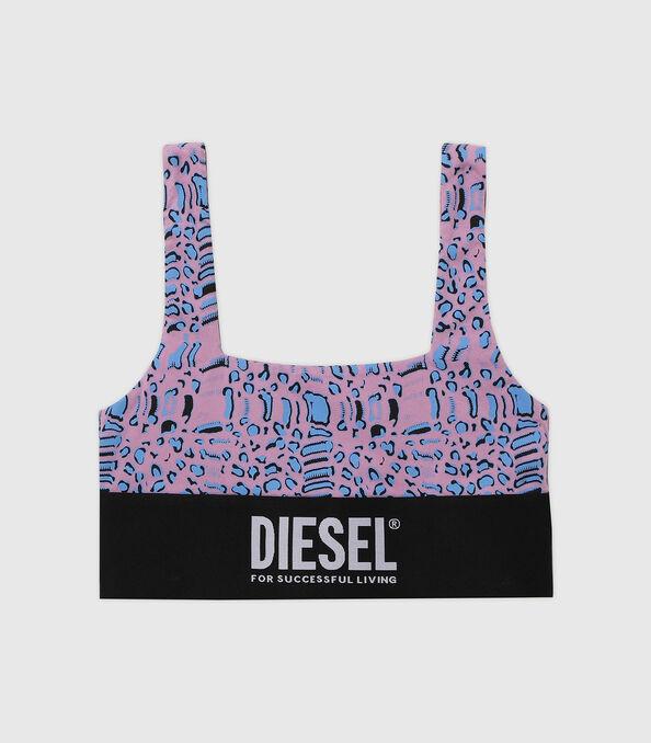 https://shop.diesel.com/dw/image/v2/BBLG_PRD/on/demandware.static/-/Sites-diesel-master-catalog/default/dw5883414e/images/large/A01952_0TBAL_E5366_O.jpg?sw=594&sh=678