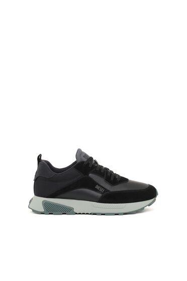 Sneakers in leather, suede and nylon