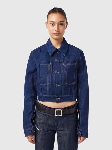 Cropped trucker jacket in rinsed denim
