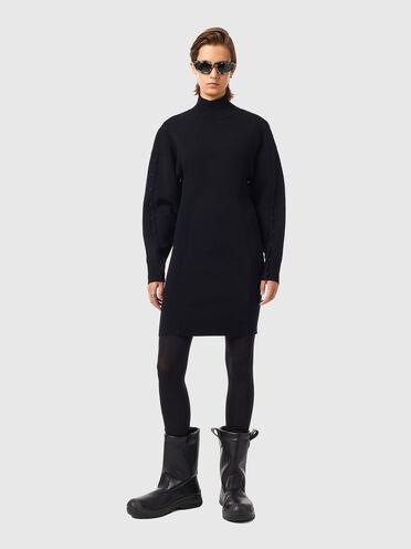 Dress in stretch wool