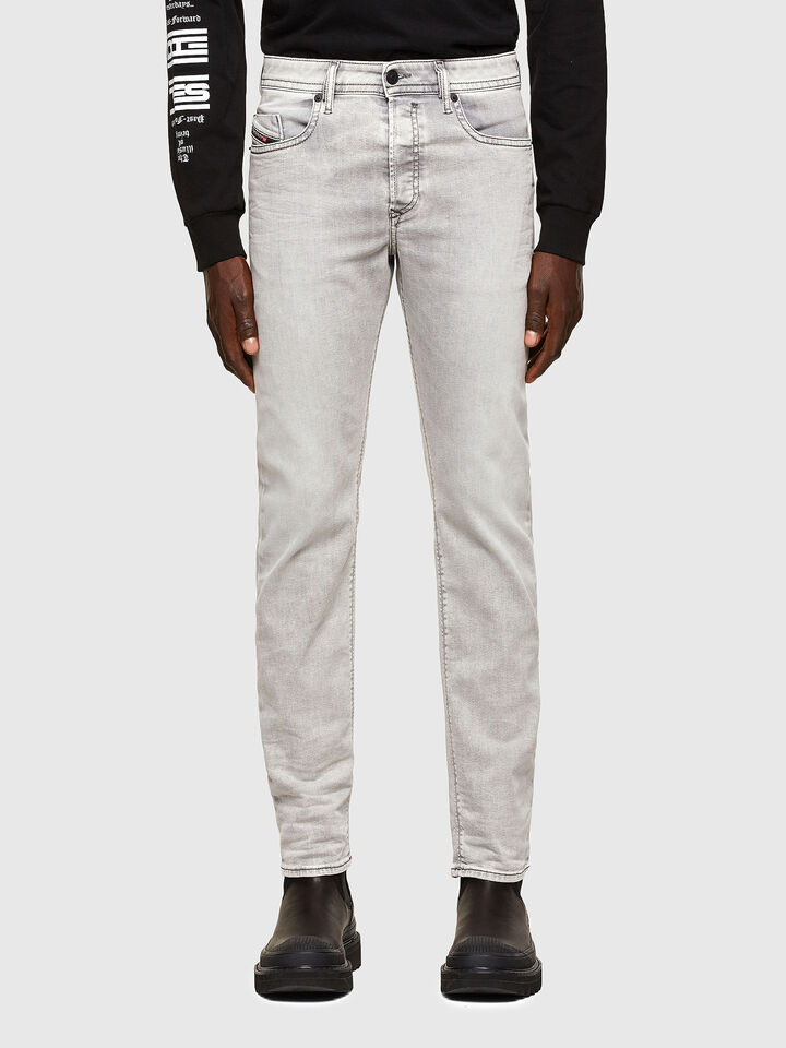 Buster Tapered Jeans 069RP,