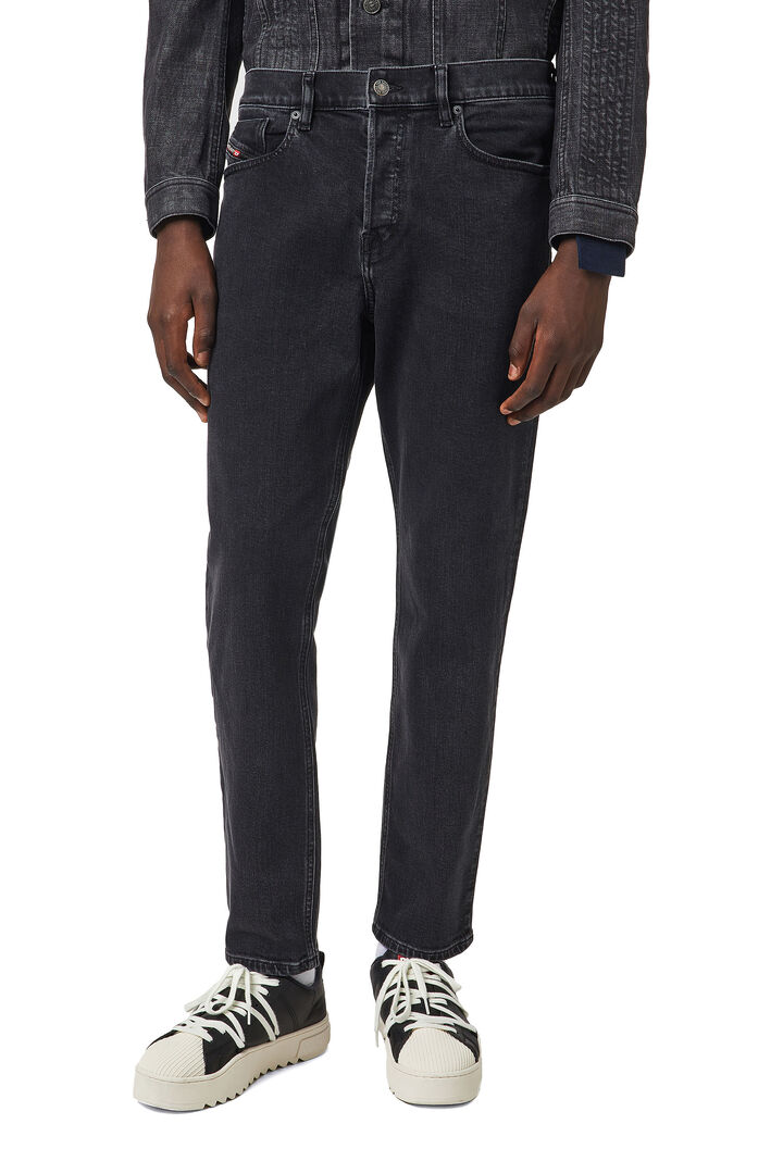 D-Fining Tapered Jeans 09A14,