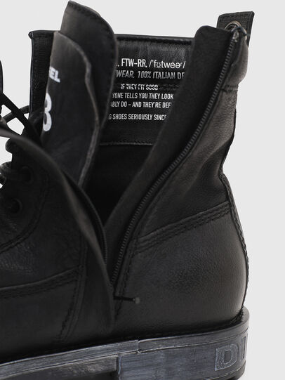 Diesel - D-THROUPER DBB ZC, Black - Boots - Image 5
