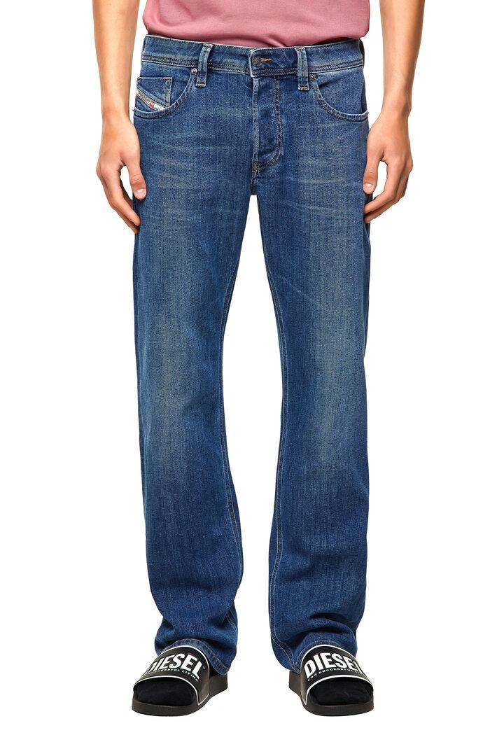 Larkee Straight Jeans 09A80,