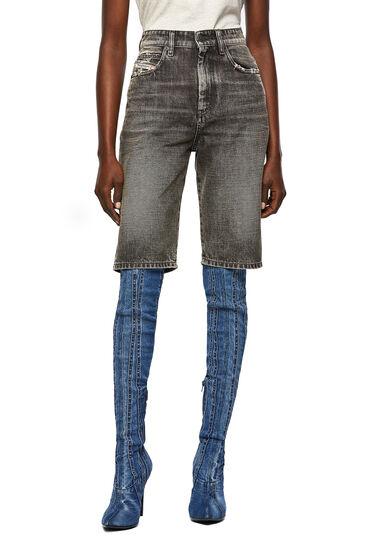 Long shorts in stonewashed denim
