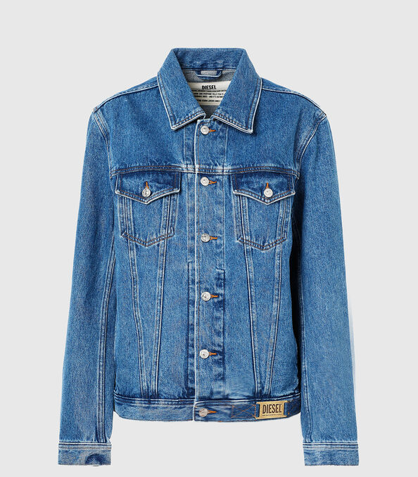 https://shop.diesel.com/dw/image/v2/BBLG_PRD/on/demandware.static/-/Sites-diesel-master-catalog/default/dwcb314f9a/images/large/A02126_0ABBI_01_O.jpg?sw=594&sh=678