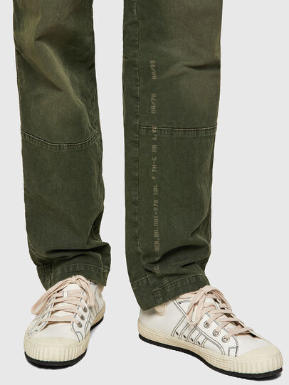 Diesel - D-Azerr Straight JoggJeans® 069WH, Military Green - Jeans - Image 4