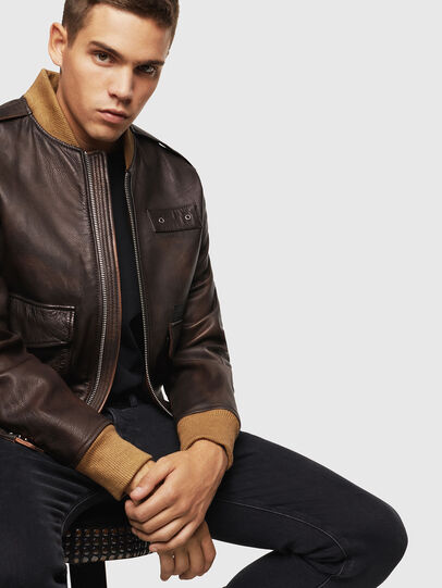 Diesel - L-OIUKI, Brown - Leather jackets - Image 4