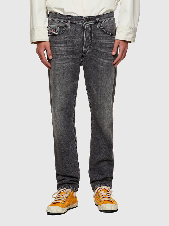 D-Fining Tapered Jeans 09A11,