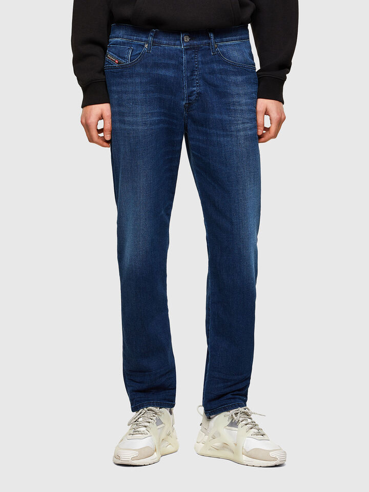D-Fining Tapered Jeans 069SF,