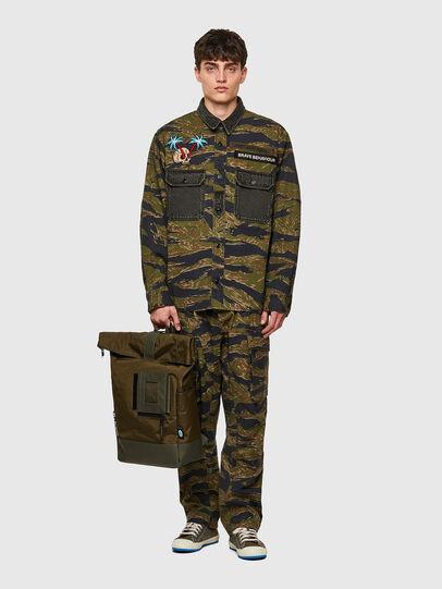 Diesel - S-BUNNELL-CMF, Verde Militar - Camisas - Image 5